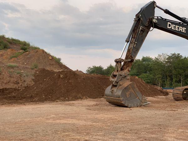 UNSCREENED fill dirt