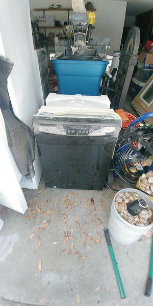 Whirlpool dishwasher for Sale in Savannah, GA