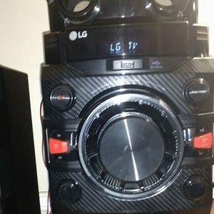 LG CM4360 230 watt Hi-Fi audio system 30 Watts, Bluetooth Connectivity auto DJ and DJ Sharing, USB Direct Recording, CD Player for Sale in San Diego, CA
