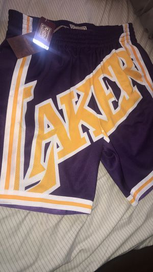 Lakers big face shorts size xl for Sale in Los Angeles, CA