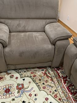 3 Peice Couch In Brown Recliners for Sale in Queens,  NY