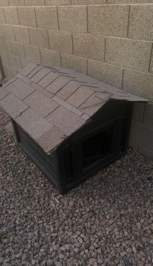 Small dog house for Sale in Chandler, AZ