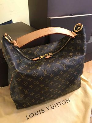 Authentic Louis vuitton sully mm for Sale in Douglasville, GA