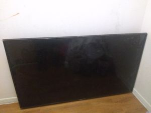 Oh 65 in smart TV w/ broken screen for parts for Sale in Houston, TX