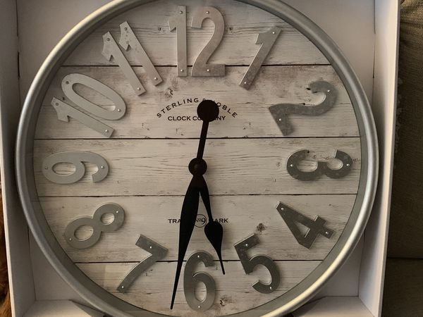 Wall art Clock Farmhouse 20 inches wide