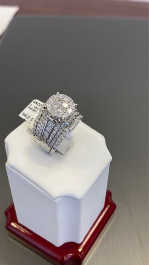 14k white gold ladies diamond ring with 21/2 ctw real diamonds for Sale in Duncanville, TX