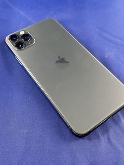 iPhone 11 Pro Max 64GB - Unlocked for Sale in Kent,  WA