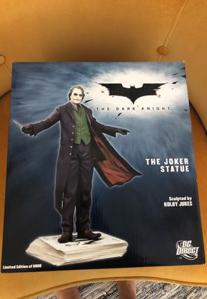 Limited Edition Dark Knight Joker Statue for Sale in Los Angeles, CA