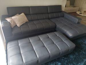 Sophia Vergara sectional sofa set for Sale in Fort Lauderdale, FL
