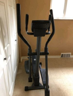 Elliptical Exercise Machine in Great Condition for Sale in Boynton Beach, FL