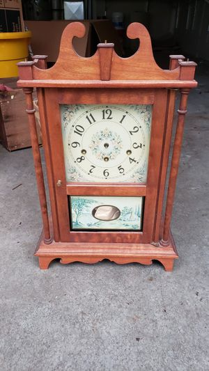 Clock FREE. All parts included. Must pick up by 6pm Monday for Sale in Puyallup, WA