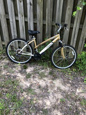 26 mountain bike needs new chain and maybe tube for Sale in Mableton, GA