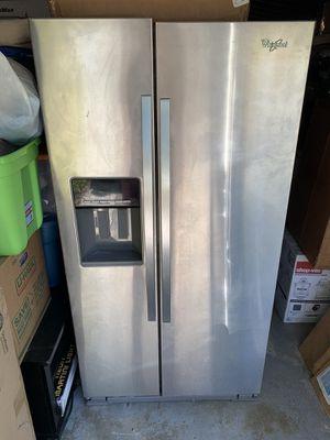 Whirlpool 21 cubit ft side by side refrigerator for Sale in Largo, FL