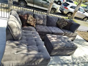 Very elegant large couch sectional (Delivery available ) $!#@+×/%##@$$ for Sale in San Diego, CA