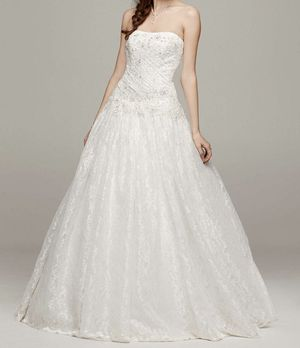 Strapless Beaded Soft White Wedding Dress size 2 for Sale in Graham, WA