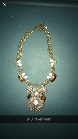 Maurice's necklace for Sale in Marengo, OH