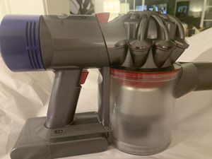 Dyson V8 absolute total clean for Sale in Houston, TX