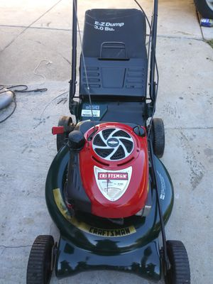 Craftsman self propelled lawn mower works great for Sale in Bloomington, CA