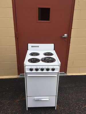 "Nice clean 20"" inch white stove.$100 Delivered/Installed.$70 picked up. 4 Month warranty! for Sale in Hampton, VA"