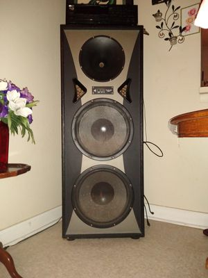 Pro studio Mach ll speaker tower with Kenwood audio stereo video receiver and all cords for Sale in Moncks Corner, SC