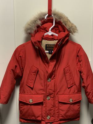 Woolrich size 4 -5 down parka / coat with removable fur trim for Sale in Naperville, IL