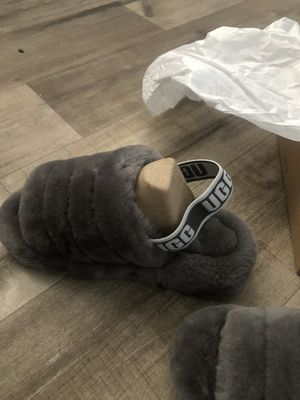Gray Uggs slides size 8 for Sale in Cleveland, OH