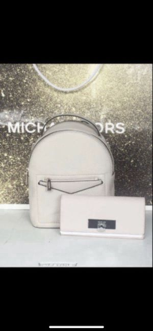 Michael KORS Set 🌹🌷🌹🌷🌹🌷💕 MICHAEL KORS small backpack and large size wallet New with tags attach Serious buyers only please Pick up only Low offe for Sale in Whittier, CA