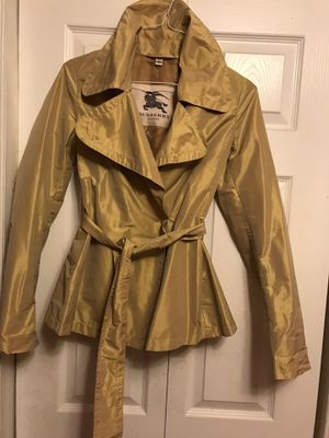 BURBERRY JACKET 🧥 She M for Sale in Silver Spring, MD