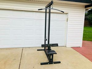 Lat Machine - Plate Loaded - Parabody - Gym Equipment - Fitness - Work Out for Sale in Bolingbrook, IL