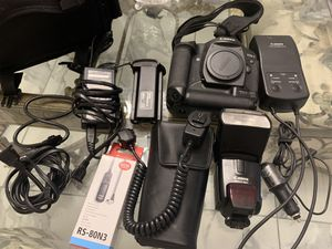 Canon Mark II EOS 1 D Professional Digital Camera with many Accessories for Sale in Cresson, TX