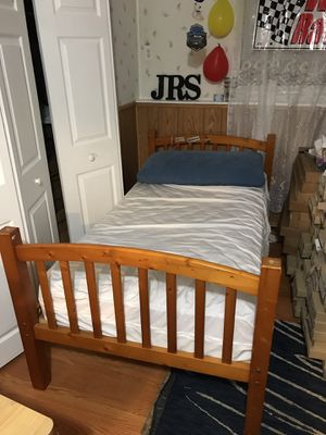 Twin bed set for Sale in Herndon, VA
