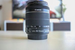 Canon EFS 18-55mm f/1:3.5-5.6 IS STM lens for Sale in Austin, TX