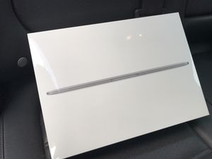 """2017 MacBook 12"""" 256gb 8gb Ram Apple Care till March 2022 for Sale in New York, NY"""