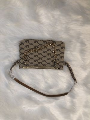 MIchael Kors Fanny Pack with gold chain for Sale in Lakewood, CO