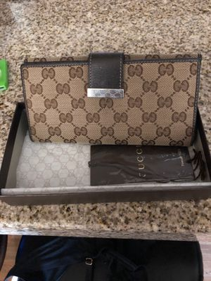 Gucci wallet for Sale in Chandler, AZ