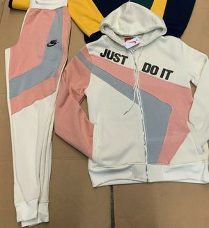 Nike men's brand new small to a 3x message me only if buying today located on south side by 73 western for Sale in Chicago, IL