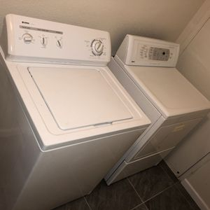Washer And Dryer (electric ) for Sale in Fresno, CA