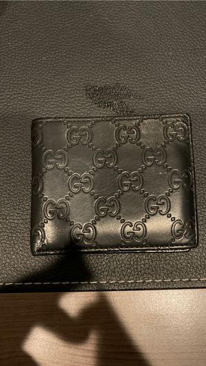 GUCCI WALLET (AUTHENTIC) for Sale in Burbank, CA