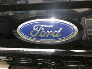 Ford Tailgate for Sale in Hialeah Gardens, FL