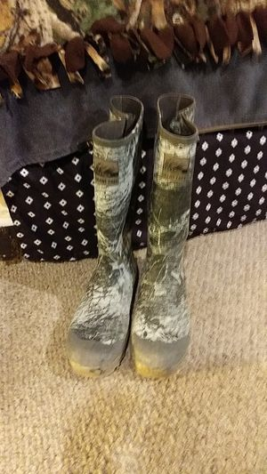 Itasca size 13 rubber boots for Sale in Parma, OH
