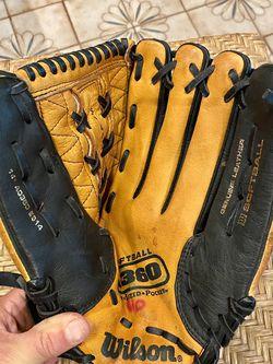 $15 Wilson Softball Glove A360 (14) for Sale in Miami,  FL