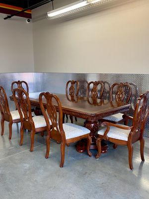 Awesome 8 Dining Chairs and a Table for Sale in Katy, TX