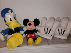 Disney's Daffy Duck, Mickey & Hands for Sale in Bloomingdale, IL