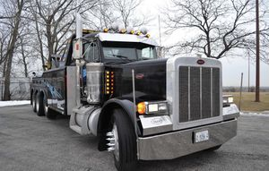 Tractor trailer large trucks storage and parking for Sale in Addison, IL