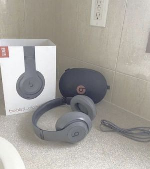 Beats Solo 3 wireless for Sale in Waterbury, CT