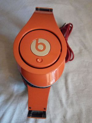 BEATS. BY DR DRE HEADPHONES WIRED GOOD SOUND for Sale in Escondido, CA
