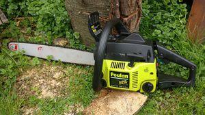 Poulan FARMHAND chainsaw chain saw for Sale in Carol Stream, IL
