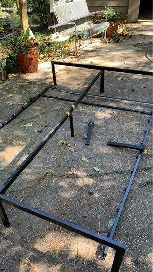"Queen bed frame 60""x80"" for Sale in Dunwoody, GA"
