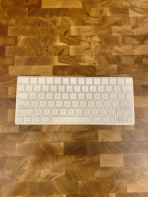 Apple Magic Keyboard for Sale in South Pasadena, CA