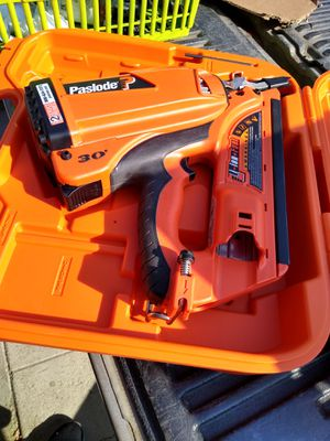 Paslode nail gun/pistola para clavos for Sale in Bakersfield, CA